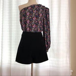 FRAME One-Shoulder Floral Top